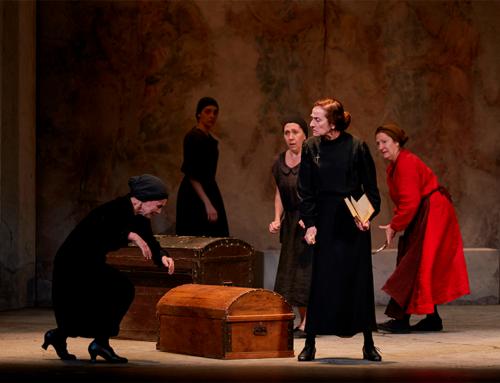 José Carlos Plaza sitúa en lo ancestral la tragedia La casa de Bernarda Alba, obra cumbre de Lorca que llega el sábado al Gran Teatro
