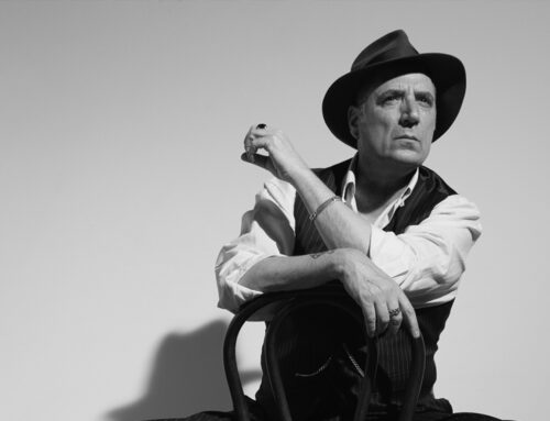 Loquillo vuelve a La Axerquía para ofrecer su concierto interrumpido en julio y presentar su disco, El último clásico